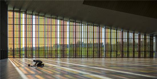 Semi-Transparent Luminescent BIPV Windows